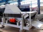 Resonance vibrating sieve for sieving materials of high humidity